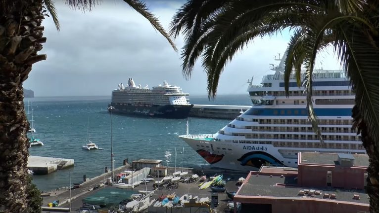 Kreuzfahrtschiffe Hafen Madeira Funchal