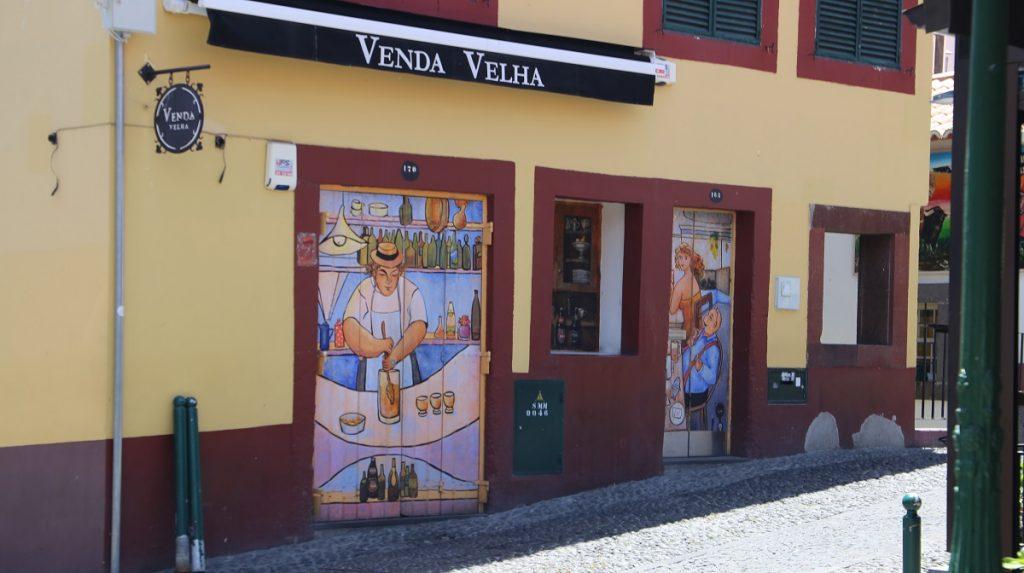 Bunten Türen der Altstadt Funchal
