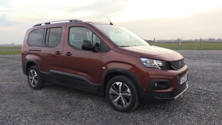 Madeira Peugeot Van