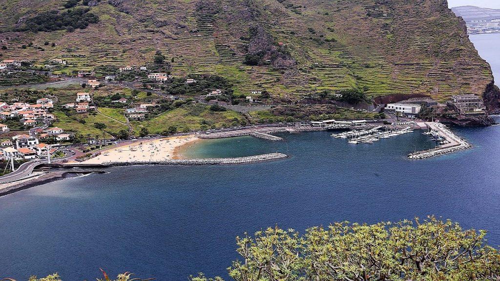 Machico Madeira Hafen Sandstrand